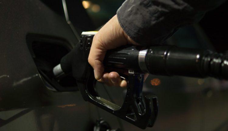 gasolina a motor diésel / Fuente: @Pexels