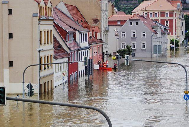 inundaciones novia techo auto