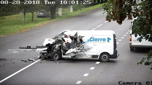 conductor chocó y sobrevive