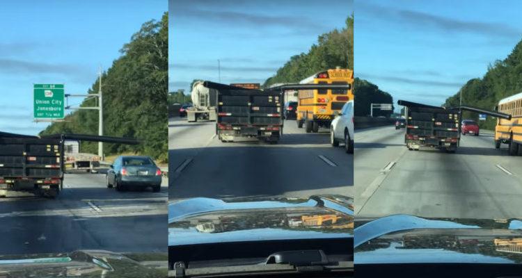 camión golpea /Fuente: Youtube @viralhog