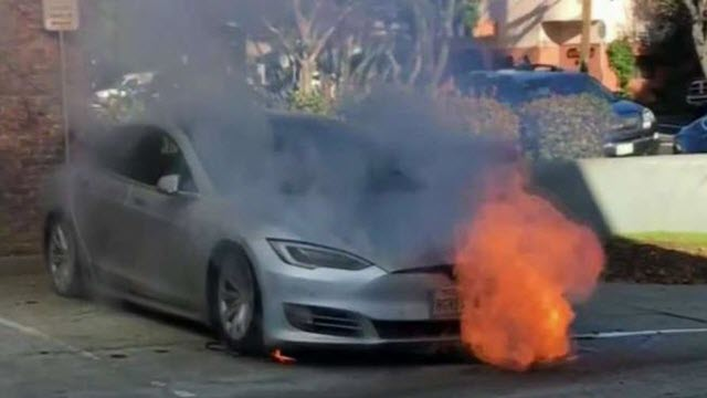 Tesla Model S incendio llamas