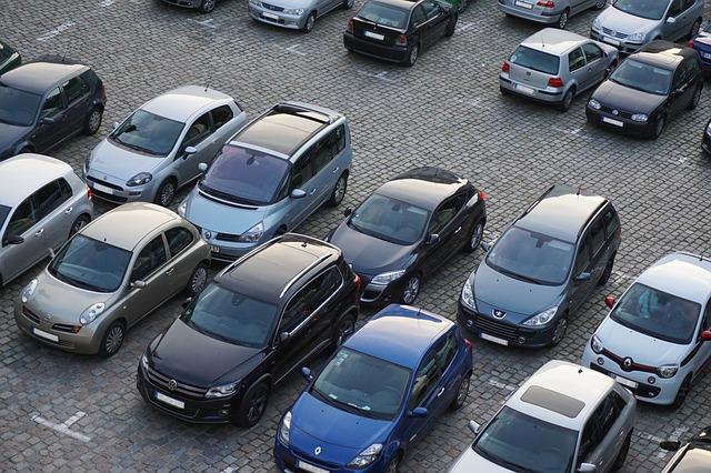 Lightyear One auto carga solar - depósito de autos