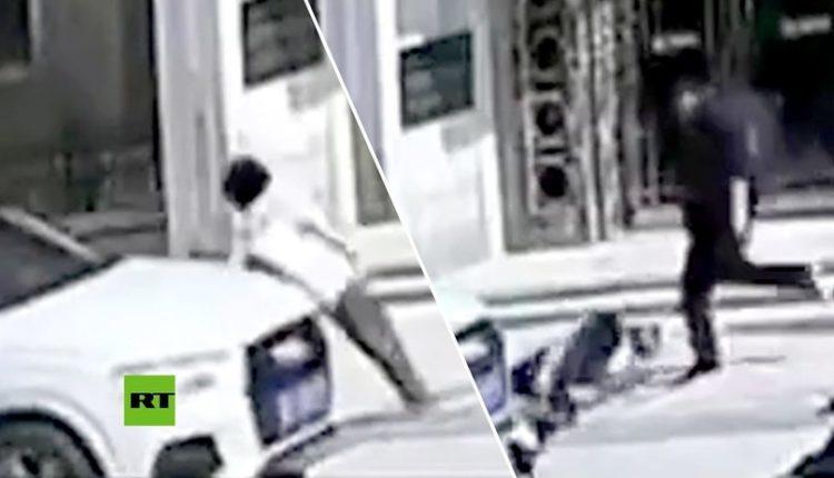 conductor atropella a mujer y la golpea