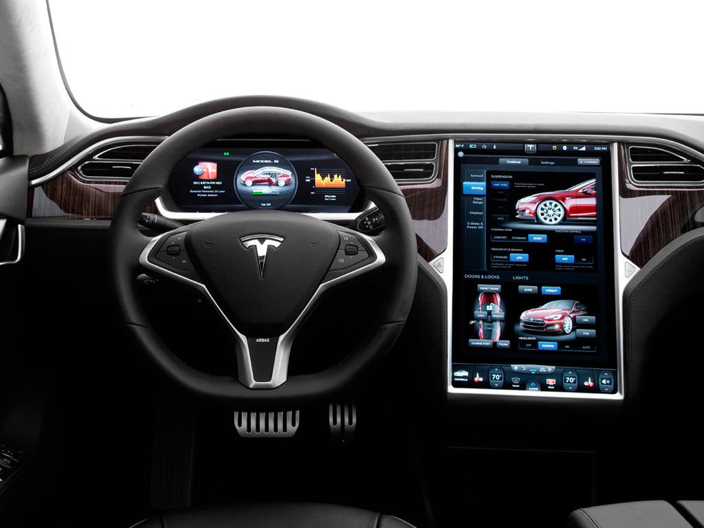 Tesla demandado por fallas en piloto automático
