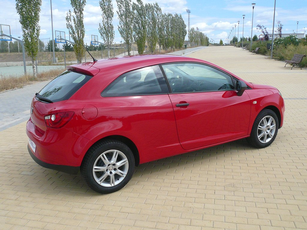seat ibiza 1 2 tdi ecomotive autocity. Black Bedroom Furniture Sets. Home Design Ideas